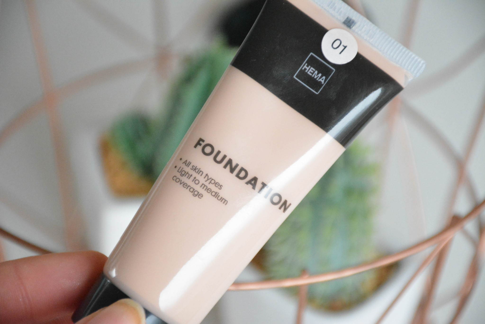 Hema fluid foundation